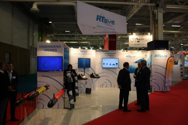 RTsys presents its new SonaDive sonar and navigation system for diver at Euronaval 2016 002